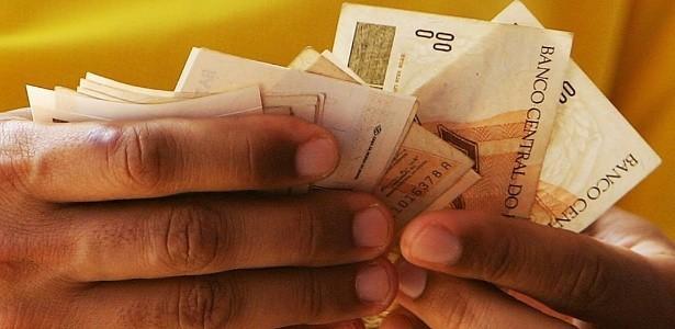 13º salário de servidores vai injetar R$ 700 milhões na economia do Pará, salário pagamento