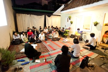Talk on Free Culture (Lawrence Lessig) with KUNCI Cultural Studies Centre, 2012