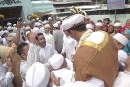 AhmadPernikahanKampungArabSurabaya11-325x217