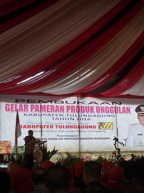 Suasana pembukaan Gelar Pameran Produk Unggulan Kabupaten Tulungagung 2016(18/10)