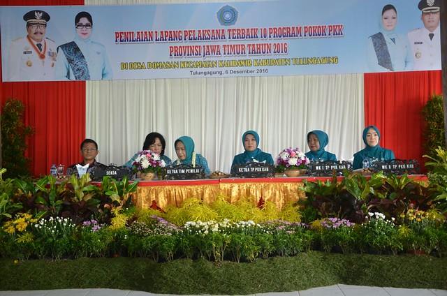 Suasana penilainan oleh Tim Penilai Jawa Timur di Desa Domasan (6/12)