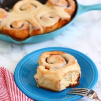 Quick Cast-Iron Cinnamon Buns