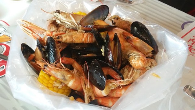 Seafood Barkada Bag