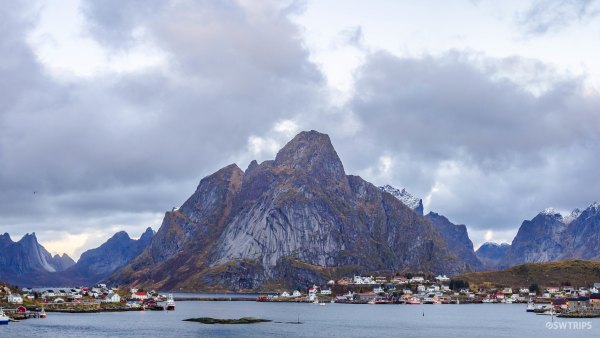 Panoramic Reine - Lofoten, Norway.jpg