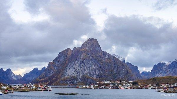 Panoramic Reine - Lofoten, Norway.jpg