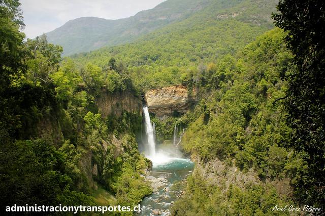 Velo de la Novia (Parque Nacional Radal Siete Tazas)