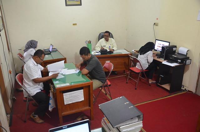 Aktifitas PPID KPU Tulungagung di ruang Subbag Teknis