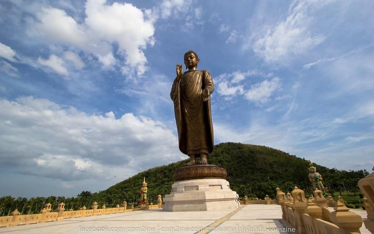 พระพุทธเมตตาประชาไทยไตรโลกนาถคันธารราฐอนุสรณ์