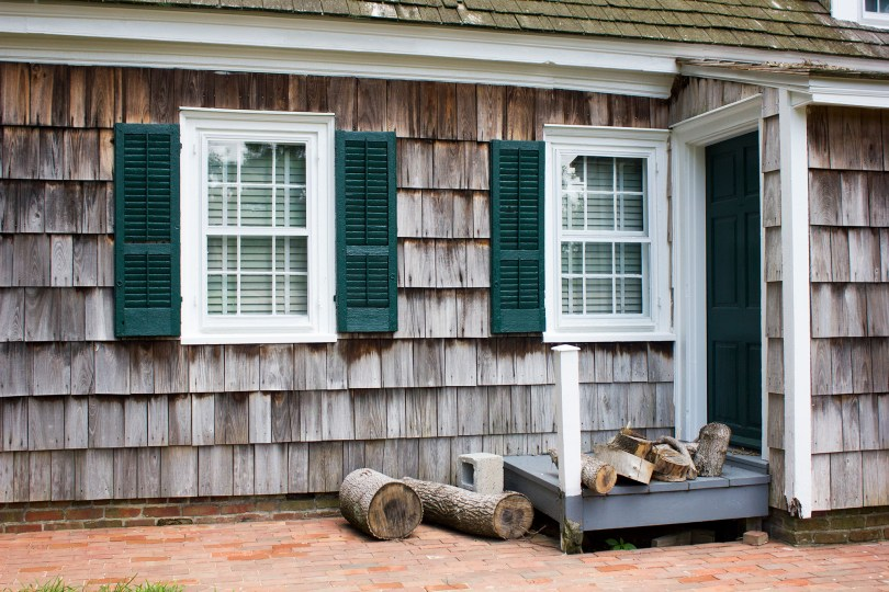 historic-lewes-delaware-logs
