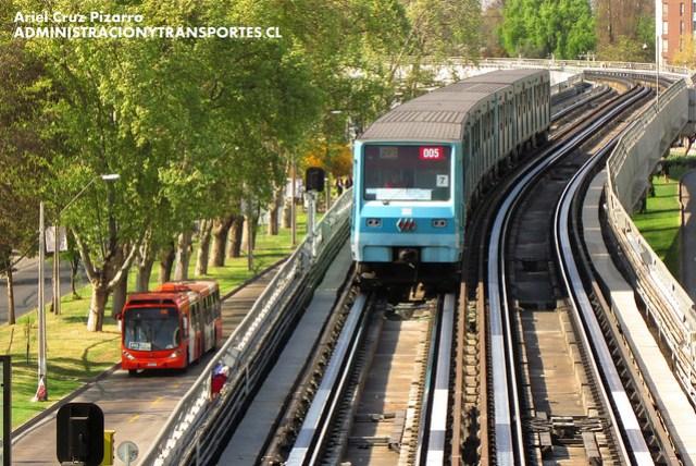 Transantiago / Metro de Santiago - Pajaritos / L5