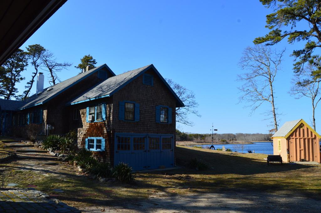 Farm Pond Oak Bluffs