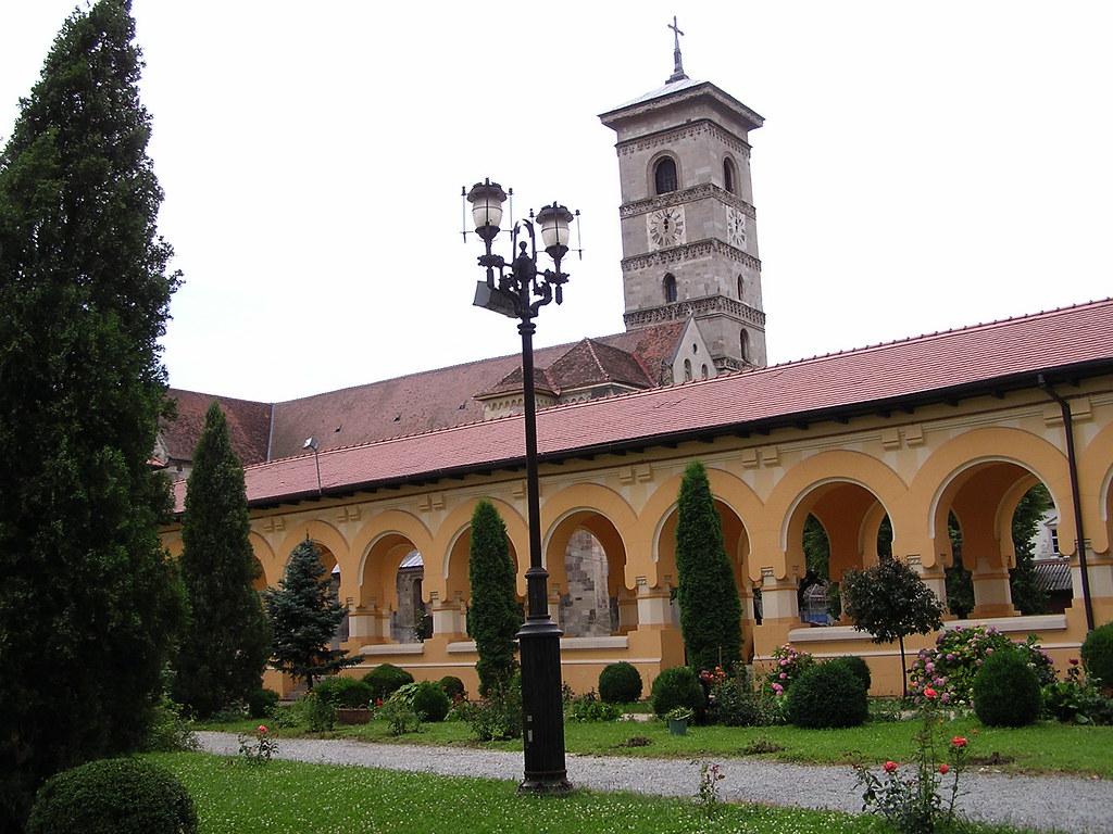 Catedral catolica romanica Alba Iulia Rumania 07