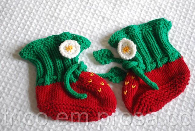 tricô em prosa - temporada de morangos - sapatinhos