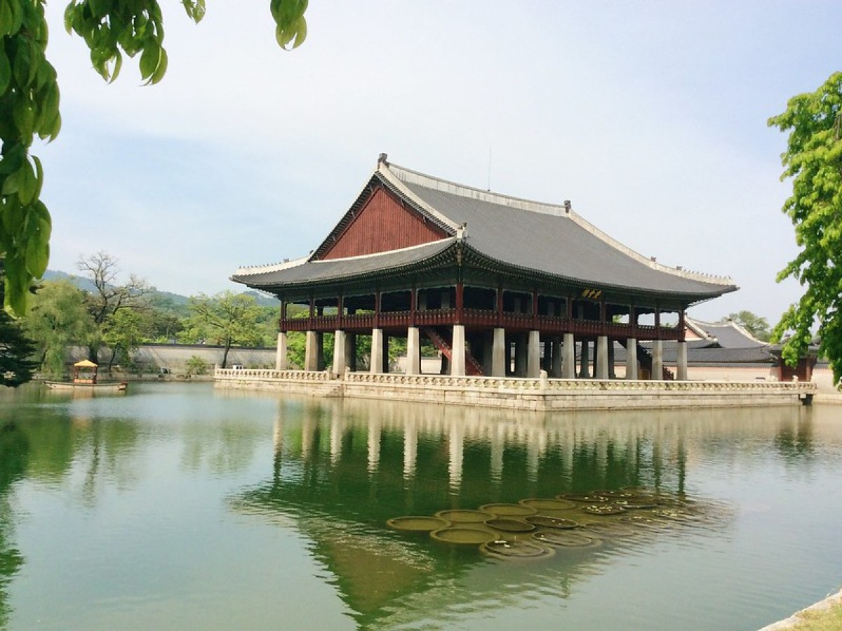 Banquet hall in the middle if a pond in Gyeongbokgung Palace