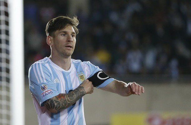 Messi se llena de fantasmas tras debut con Argentina en Copa América