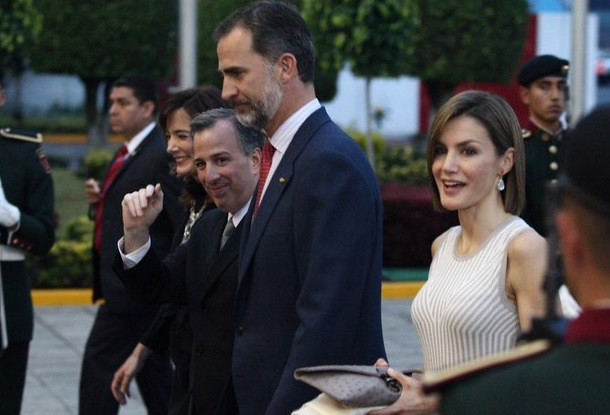 Condecora hoy Peña a los reyes de España con Orden Mexicana del Águila Azteca