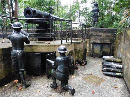 Estatua urbana Gunners of Labrador Battery, situada en Fort Pasing Panjang, en Singapur.