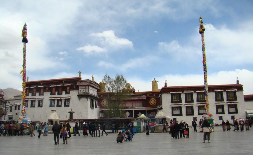 Lhasa Templo Jokhang Tibet 01