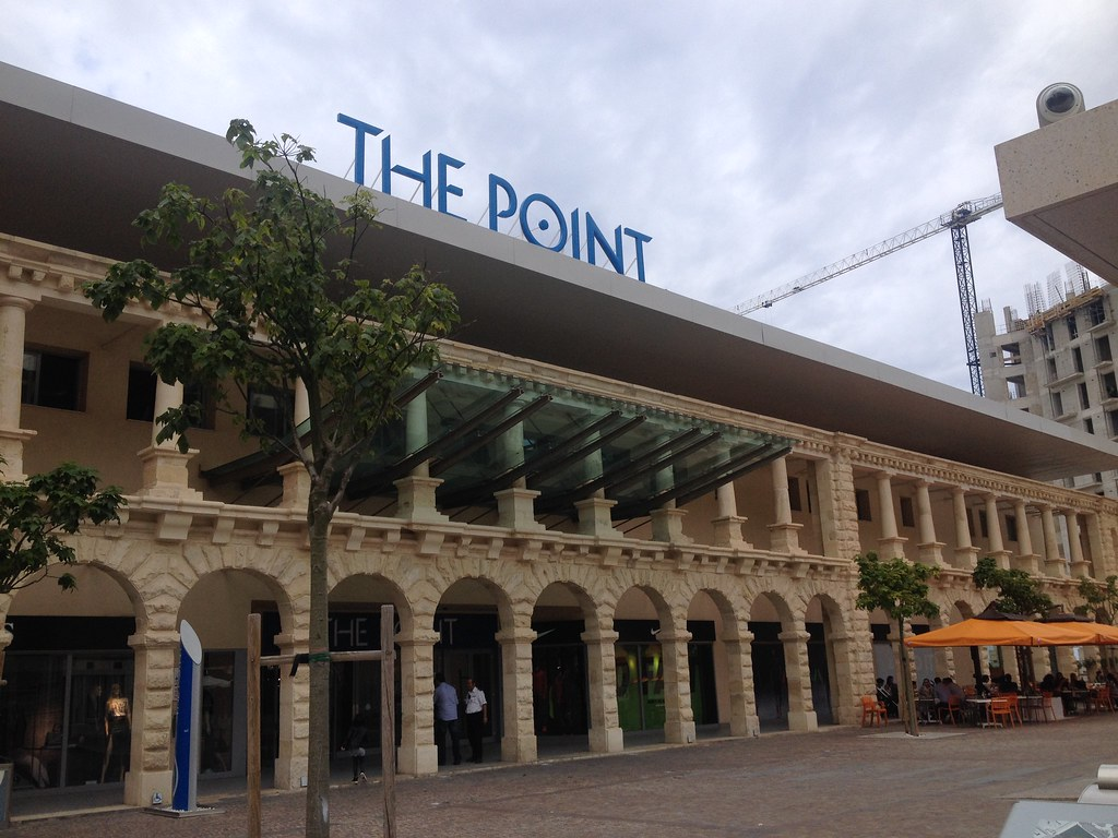 "Shopping ""The Point"" - Sliema"