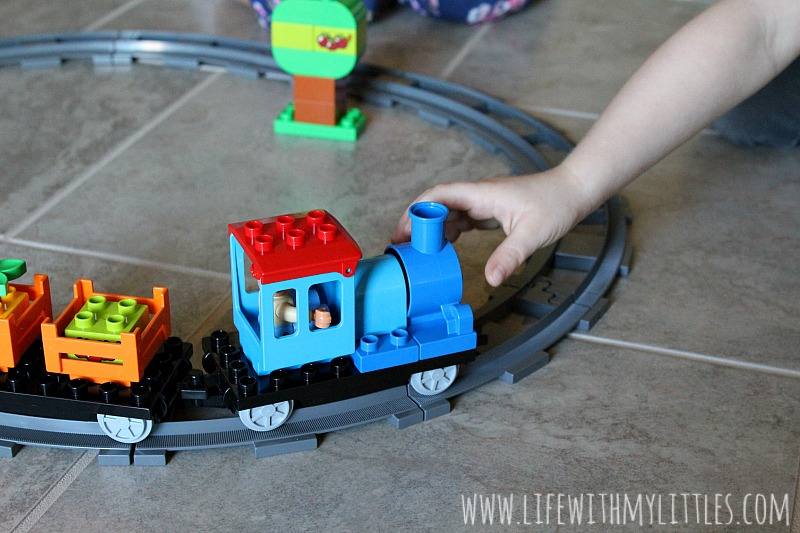 4 creative and exciting ways to make learning fun for toddlers featuring LEGO DUPLO! Great ideas for tot school and preschool moms!