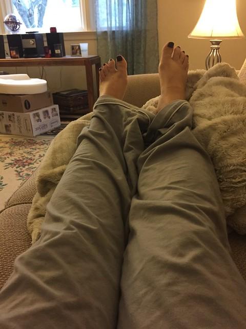 pregnancy elevated feet