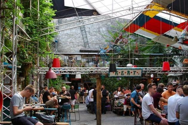 Szimpla Ruin Bar - Budapest