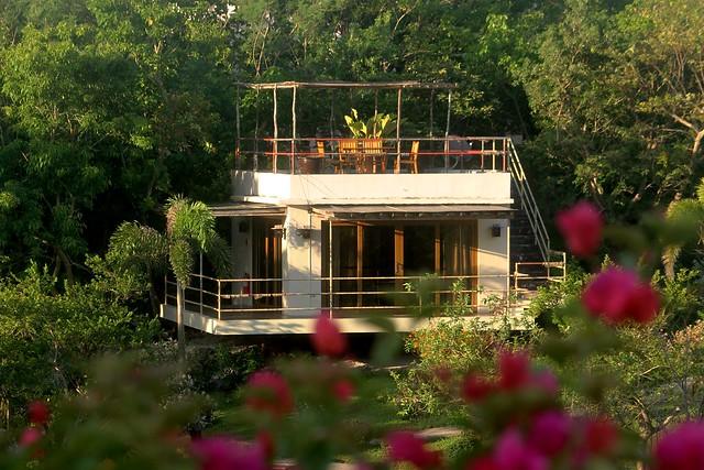 Tugawe Cove Resort