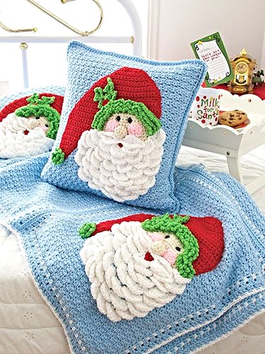Annies Crochet Santa Pillow 1