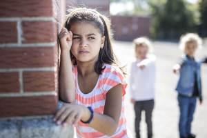 VONK-podcasts over Onveilig opgroeien en de Schaduwkanten van ouderschap