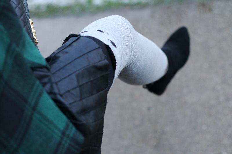 pleated-faux-leather-animal-knee-high-socks-7
