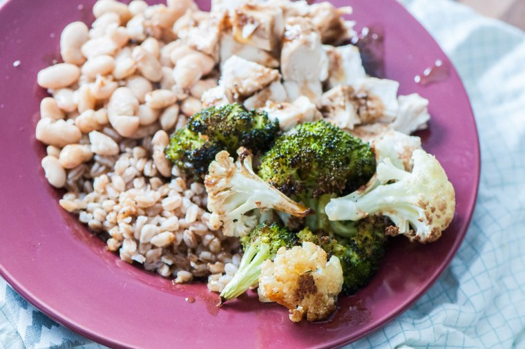 Balsamic Chicken and Veggie Farro Bowls 4