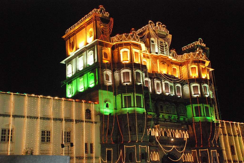 rajwada indore   by sheetalsaini rajwada indore , flickr.com, Madhya Pradesh