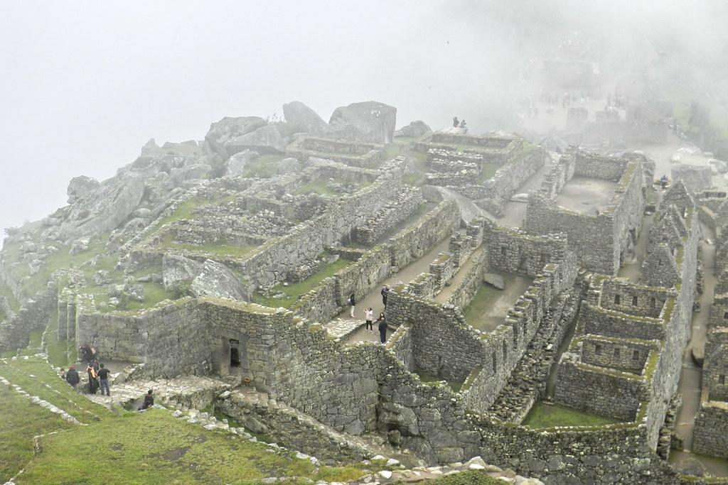 Peru Machu Picchu Zona Urbana puerta 03