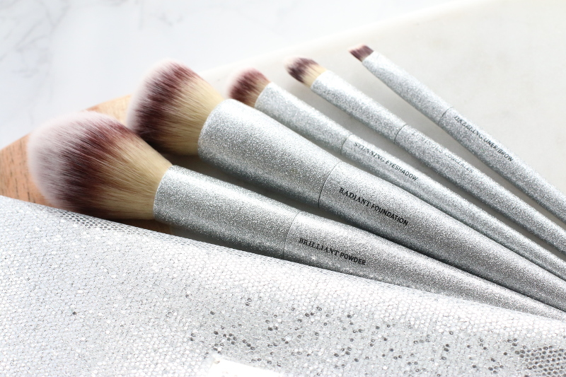 it-cosmetics-makeup-brushes-15