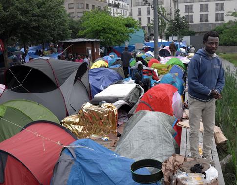 16f01 Campo refugiados Jardins d Eole_0018 variante Uti 485