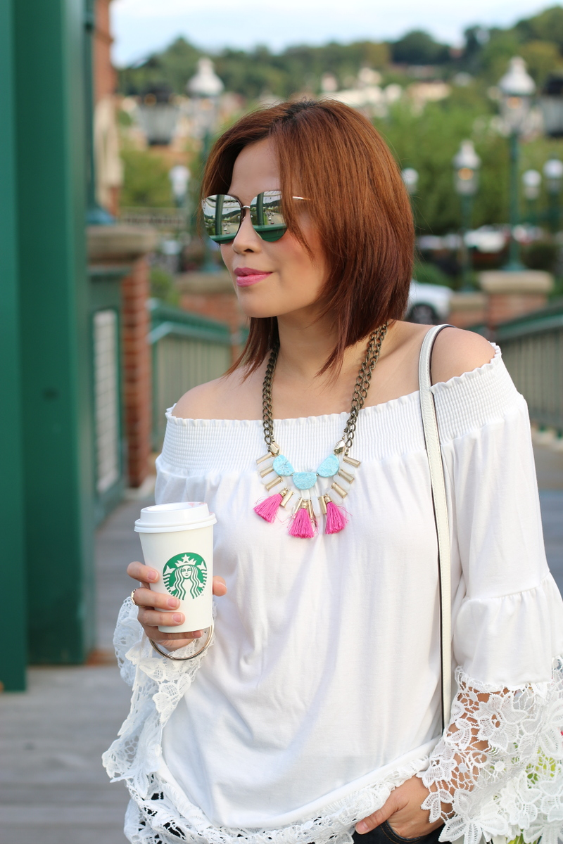 white-off-shoulder-lace-trim-top-rose-wholesale-1