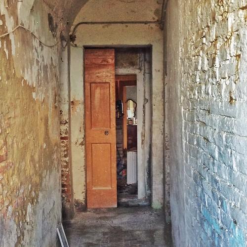 Toiano Borgo fantasma Pisa