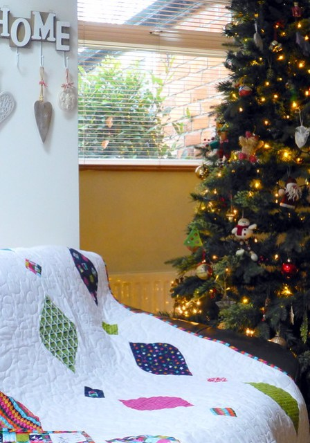 Christmas Baubles quilt (Popular Patchwork Dec16)