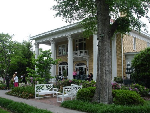 Blue Willow Inn, Social Circle GA