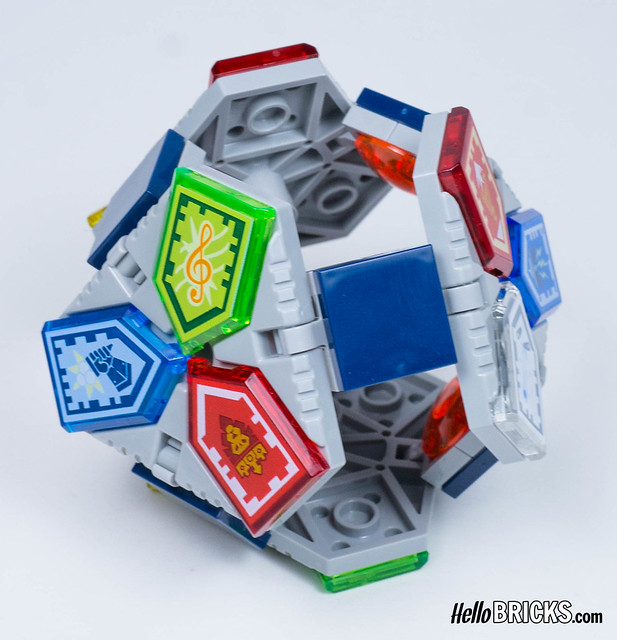 Lego 70372 - Nexo Knights - Wave 1 collectible Shields