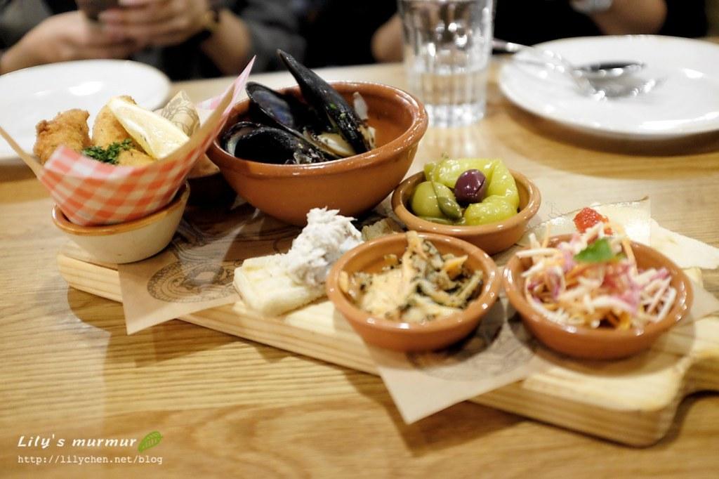第一道菜:醃製及香酥炸魚木板總匯