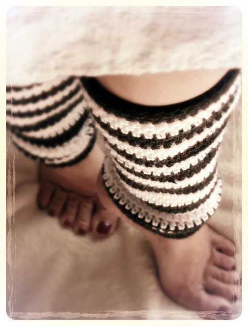 Alice In Wonderland Inspired Free Crochet Leg Warmers Pattern
