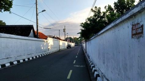 Big Walled Road