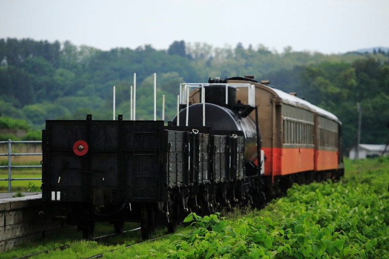 DD352+PC+Open freight car+Tank freight car