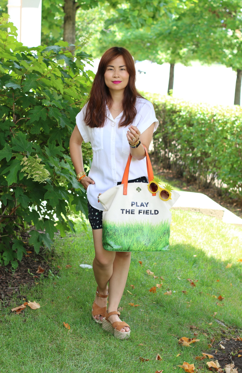 play-the-field-bag-white-top-shorts-espadrille-sandals-9
