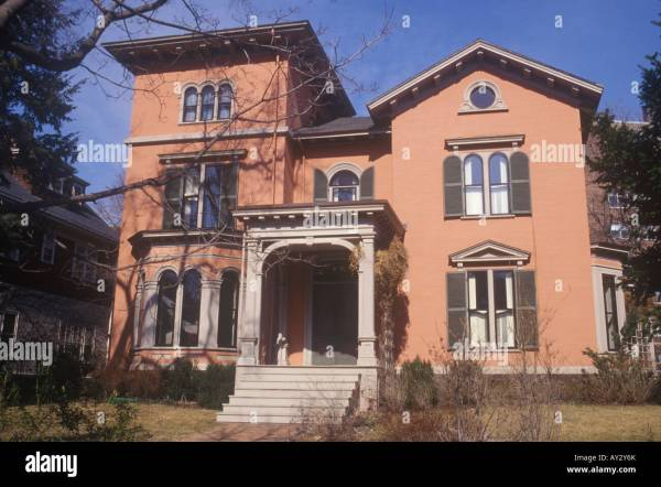 Large American Italianate style 19th century house in ...
