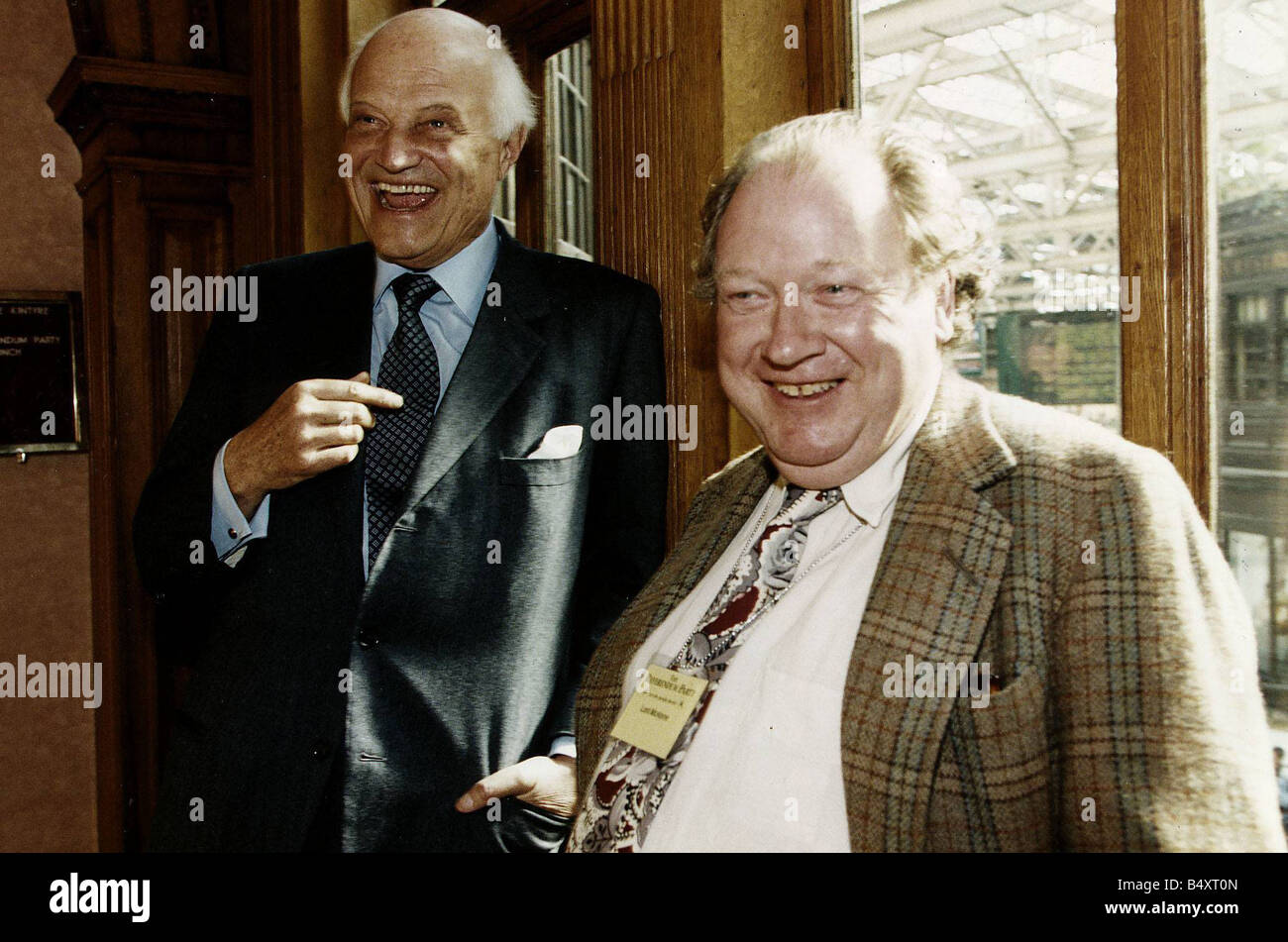 Sir James Goldsmith and Lord McAlpine at The Central Hotel Glasgow Stock Photo