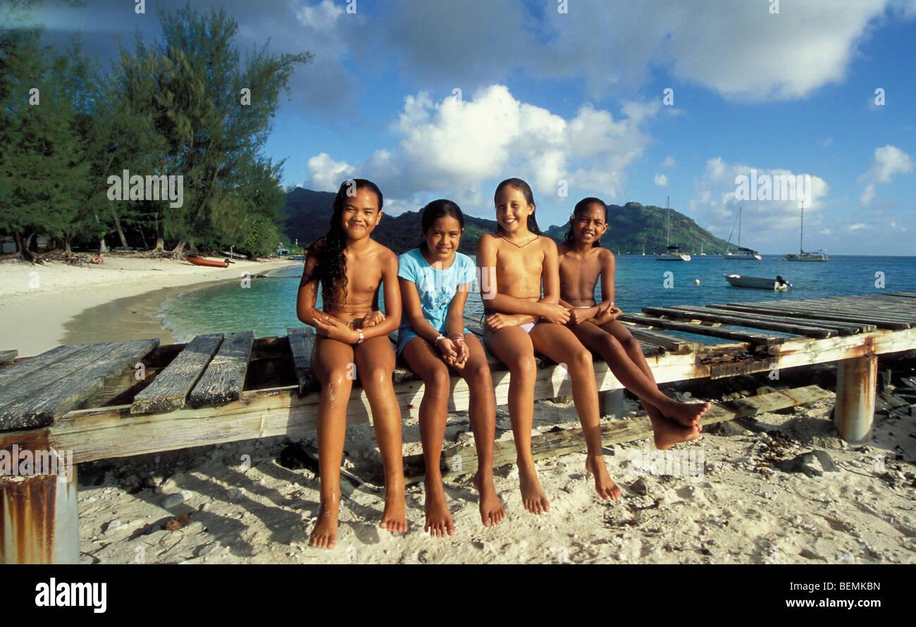native female group nude