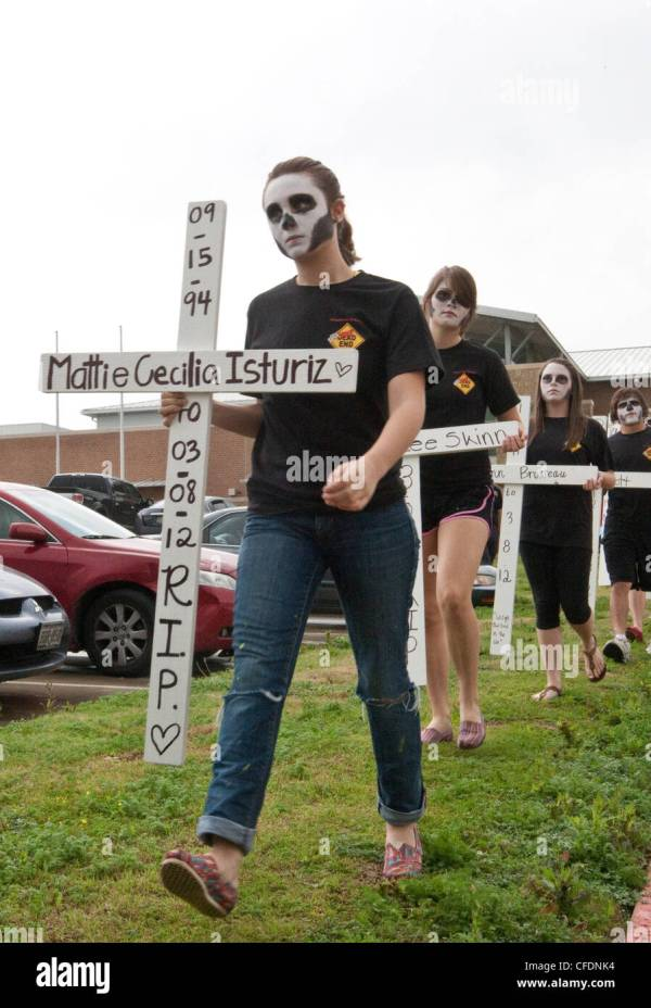 High school students participate in Shattered Dreams ...