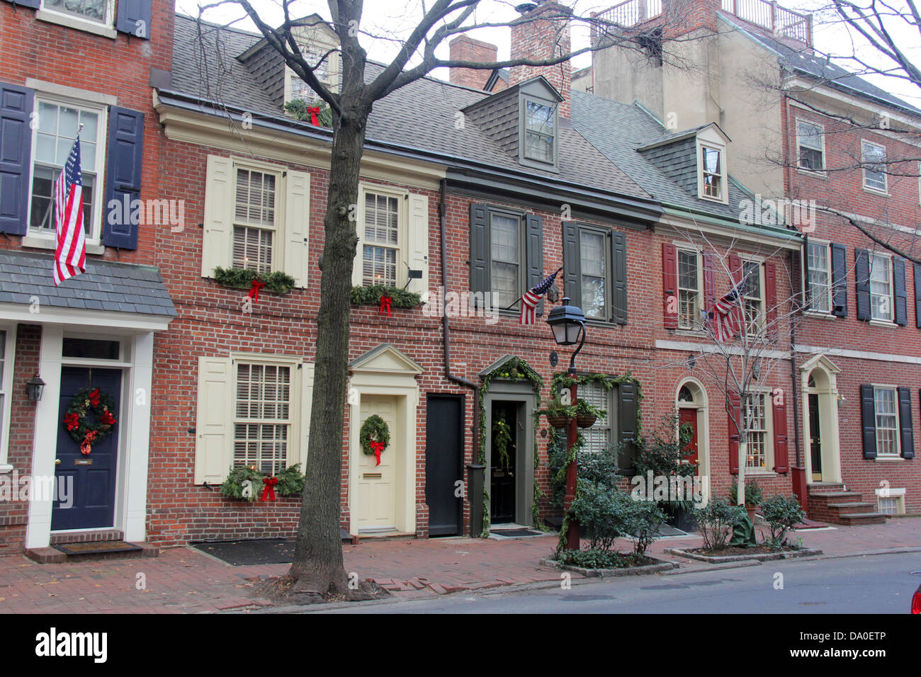 Townhouse Christmas Decorating Ideas